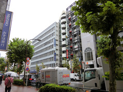 H290917_aiube_building.jpg